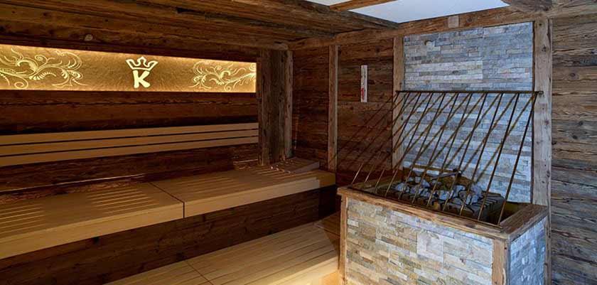 Hotel Karwendelhof, Seefeld, Austria - sauna.jpg